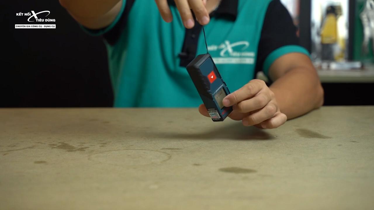 [Review] Máy Đo Khoảng Cách Laser Bosch GLM 30: Nhỏ Gọn, Đo Chính Xác 30m - dây đeo tiện lợi