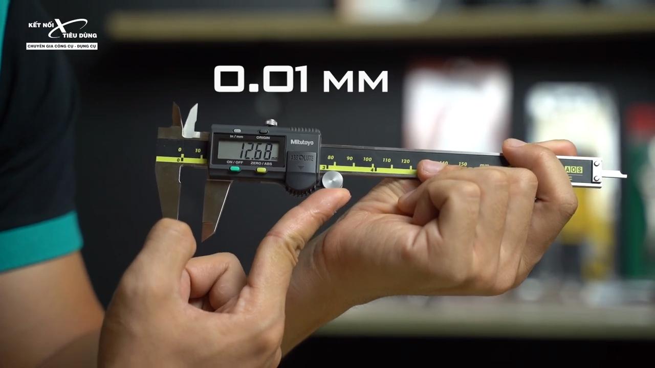 [Review] Thước Cặp Điện Tử Mitutoyo 500-196-30: Chính Xác Đến 0.01mm - bi lăn điều chỉnh