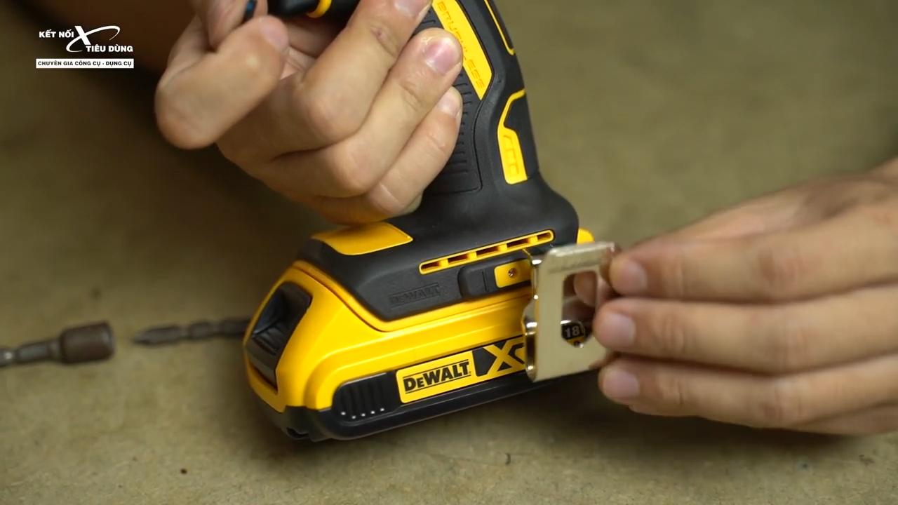 Thiết kế chuyên nghiệp, nổi bật và gọn nhẹ là thế mạnh của máy bắt vít dùng pin Dewalt DCF787