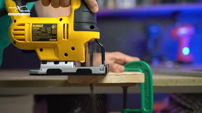 Khả năng cưa gỗ và sắt của máy rất tốt tạo ra những vết cắt đẹp