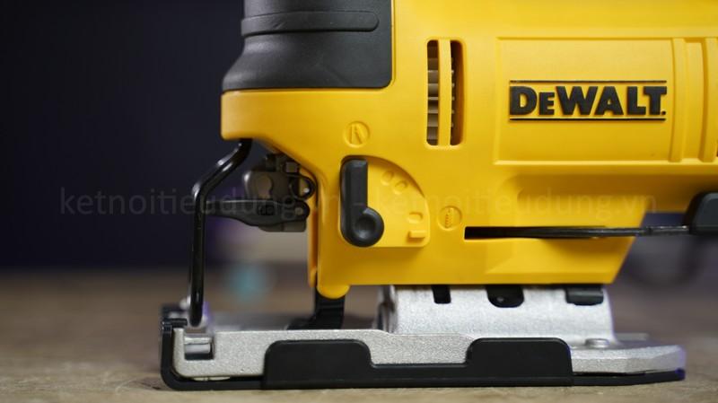 Thiết kế thân máy đẹp mắt từ màu sắc đến chất liệu của sản phẩm