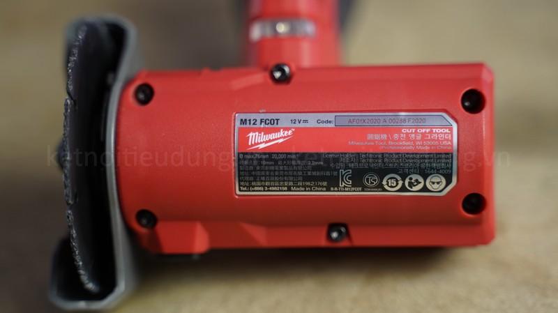 Con máy có thiết kế cực nhỏ gọn, mang đến khả năng vận hành ổn định trên nhiều loại vật liệu