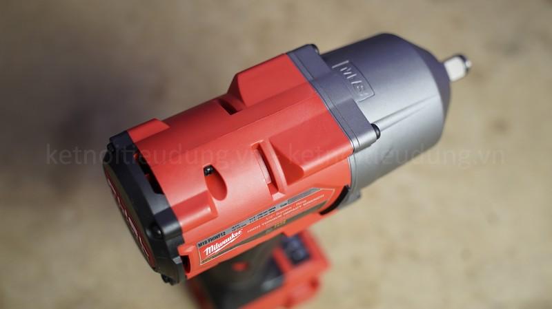 Milwaukee M18 FHIWF12 có thiết kế nhỏ gọn, làm từ chất liệu cao cấp mang đến vẻ ngoài cứng cáp và chắc chắn