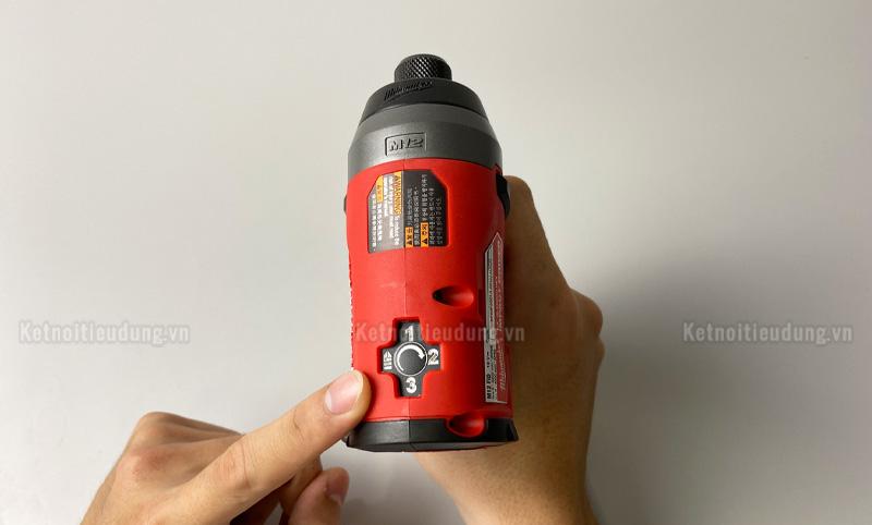 Milwaukee M12 FID được trang bị chế độ Self Tapping giúp đảm bảo an toàn cho Anh Em và không làm hư hỏng vật liệu