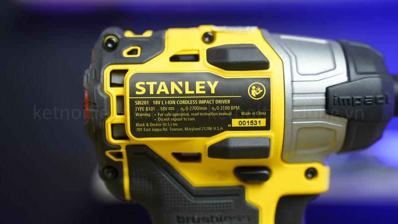 Stanley SBI201 sử dụng pin 18V/ 2.0Ah xài được lâu giúp không bị gián đoạn công việc