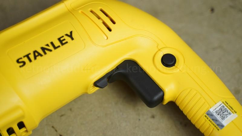 Khả năng khoan thép và gỗ của máy khá ổn, khoan được bê tông 24mm