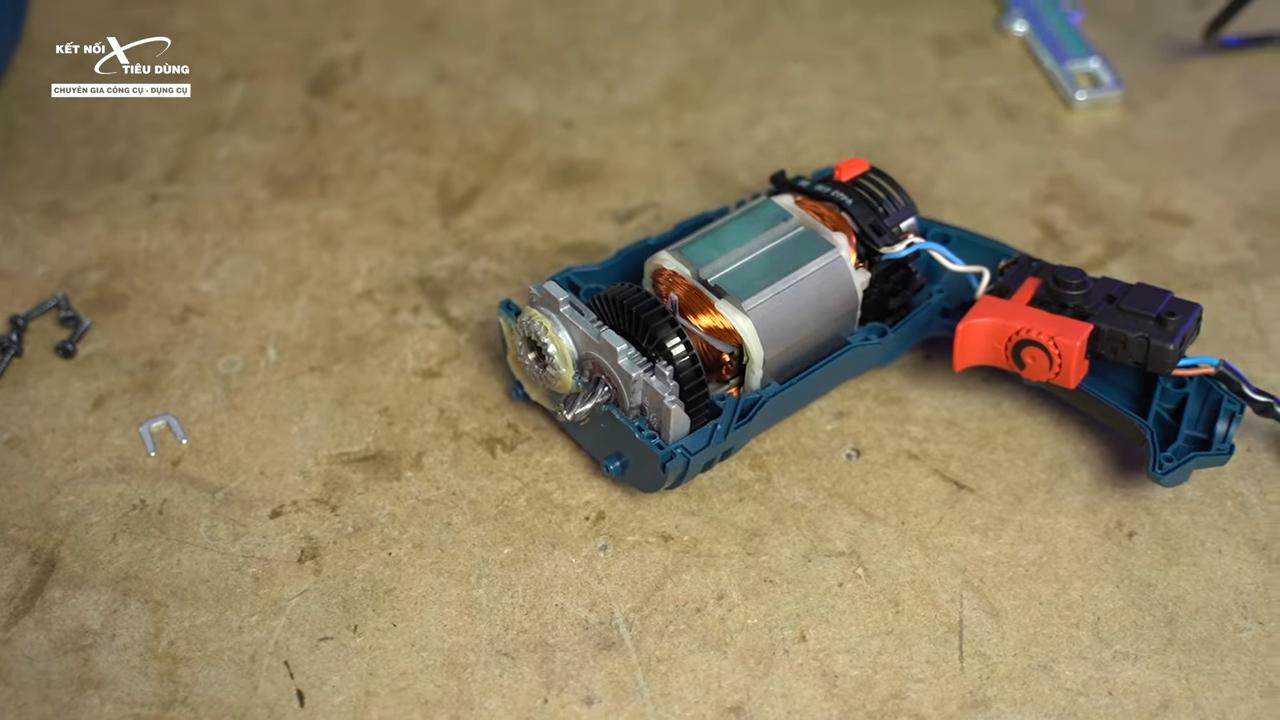 Cách mở máy khoan Bosch GSB 16RE thay chổi than, rotor, stator, cò điều tốc - tại sao phải thay thế chổi than, rotor, stator cho máy khoan