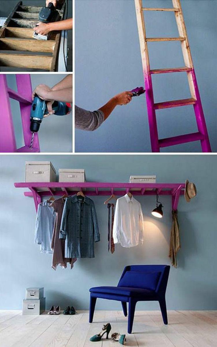Giá treo áo từ chiếc thang nhôm cũ.