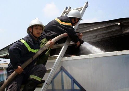 Sử dụng thang nhôm trong chữa cháy
