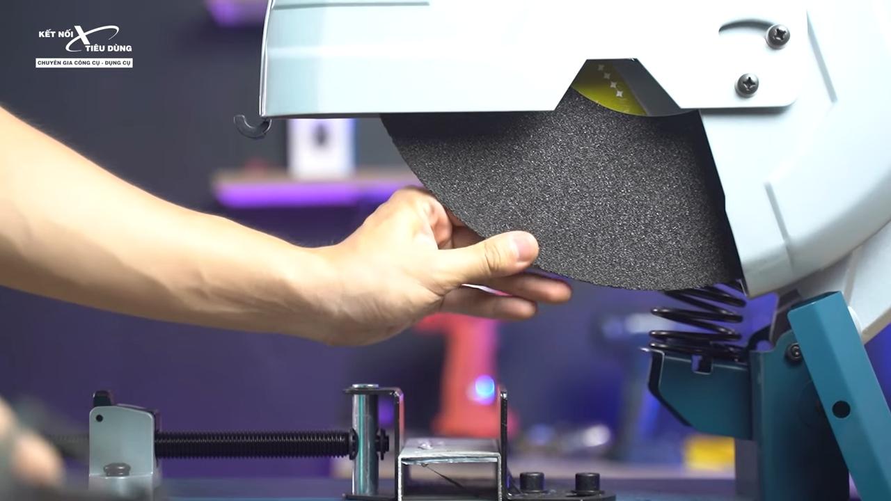Máy cắt sắt Bosch GCO 14-24 liệu có ngon trong tầm giá - máy cắt sắt có hệ thống chống rung hiệu quả cho khả năng vận hành êm ái