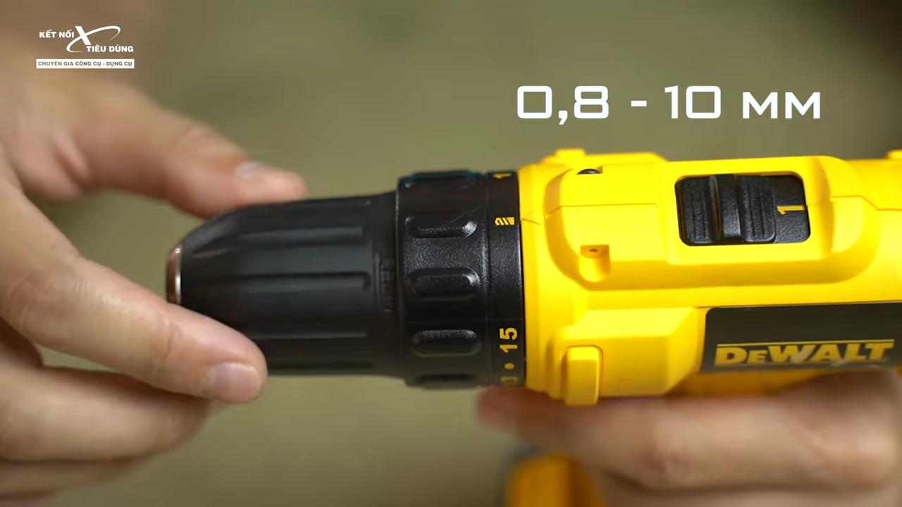 Máy khoan bắn vít pin cực rẻ của Dewalt - DCD700C1, DCD700C2 - máy khoan có nhiều tính năng tiện lợi giúp anh em thao tác dễ dàng và nhanh chóng hơn trong công việc