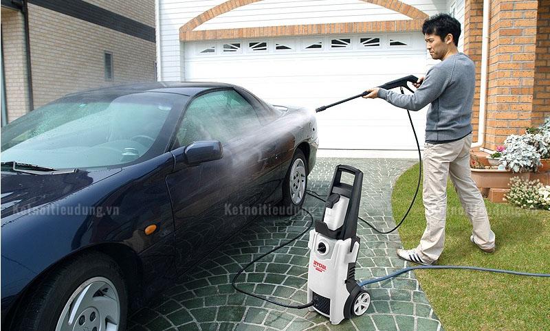 Nên mua máy rửa xe gia đình loại nào tốt? Tư vấn chọn mua máy rửa xe 2021 - máy rửa xe Ryobi chính hãng
