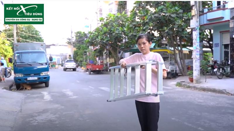 [Review] Đừng Mua Thang Nhôm Nếu Chưa Xem: Thang Nhôm Chữ A Cao Cấp Mới Của PoongSan - trọng lượng nhẹ