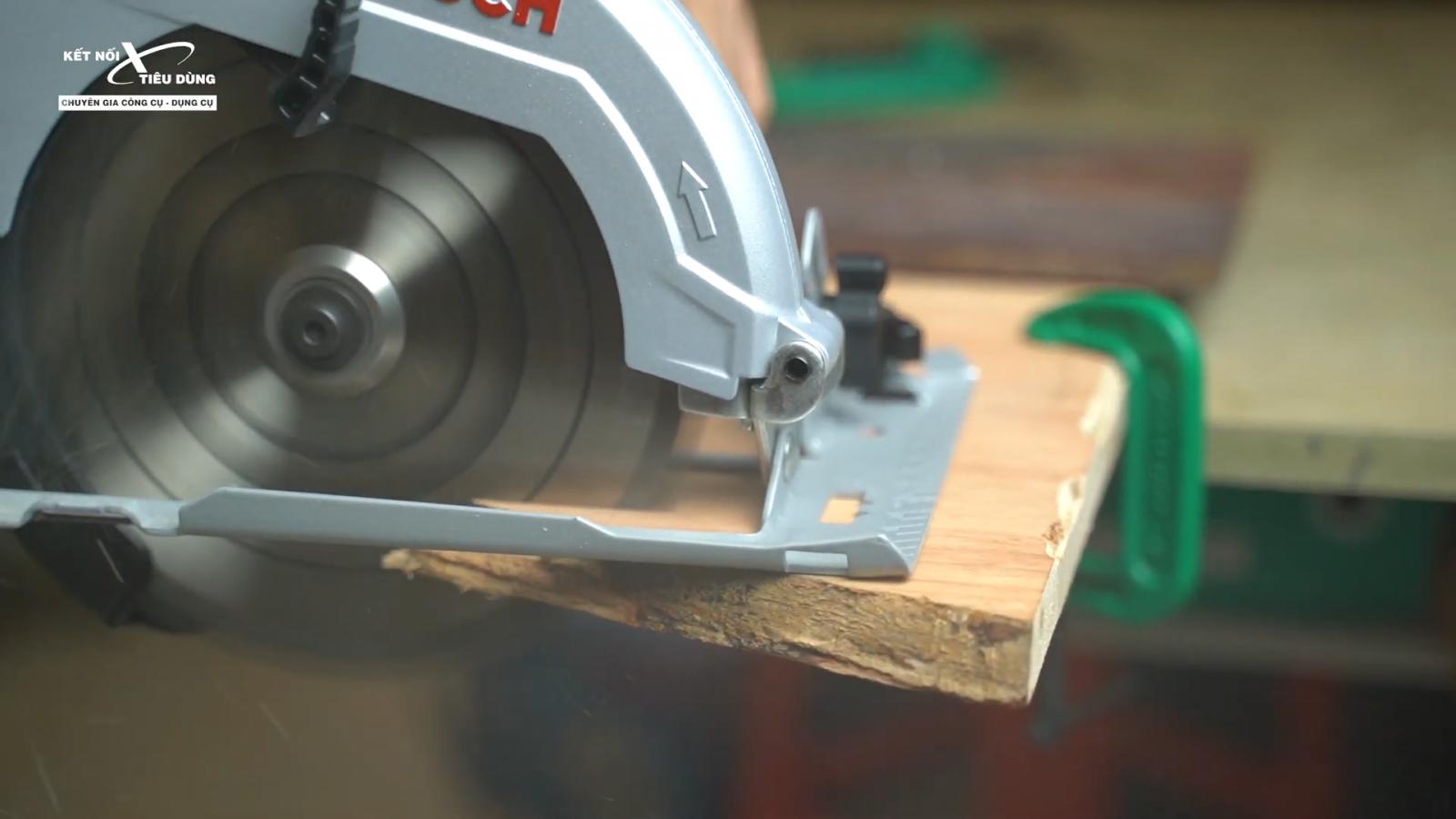 Review máy cưa đĩa rẻ nhất của Bosch - GSK 7000: chất lượng tốt, cưa êm, đường cưa mịn, độ hoàn thiện cao - ưu điểm nổi bật của máy cưa đĩa