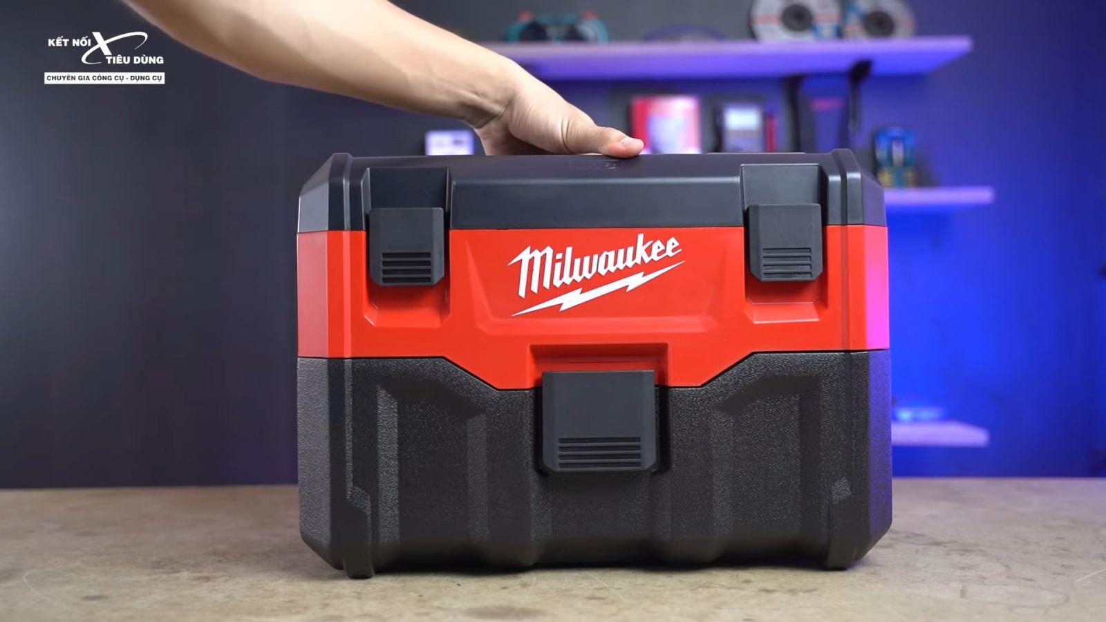 Review thùng ướp bia Milwaukee đội lốt máy hút bụi - M18 VC2: Xịn sò, hầm hố, build cao, đi công trường ngon - lưu ý khi sử dụng máy hút bụi