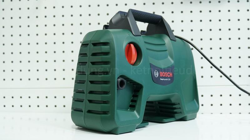 Top 5 máy rửa xe Bosch giá rẻ, đáng mua nhất năm 2021 - ưu điểm nổi bật của máy phun xịt rửa áp lực cao Bosch Easy Aquatak 120
